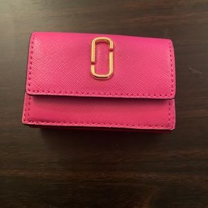 Marc Jacobs Mini Card holder in Pink & red